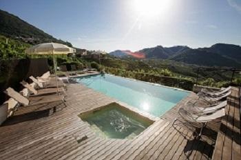 Aufenthalt in Casa Due Carpini mit Schwimmbad